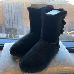 Classic UGG Bailey Two Ribbons Boots